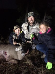 Brett Ritter Wyoming Whitetail with daughter Maddy and son West